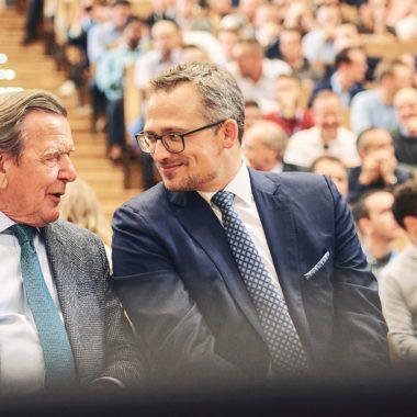 HHL-Rektor Stephan Stubner und Gerhard Schröder.