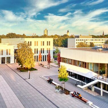 HHL Campus Jahnallee Schmalenbachgebaeude Innenhof